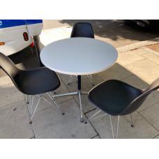 Vitra Eames 800dia round table